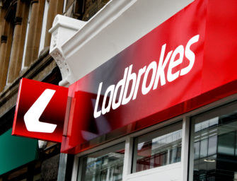 Ladbrokes mobile : comment se procurer l'application pour jouer ?